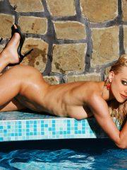 Amanda Seyfried Naked Celebrity Pics image 1