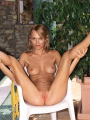 Amber Valletta Celebrity Nude Pics