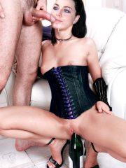 Amy Lee Nude Celeb image 17