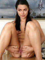 Amy Lee Free Nude Celebs image 9