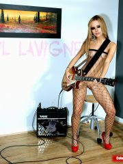 Avril Lavigne Naked Celebrity Pics