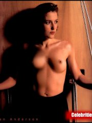 Gillian Anderson Naked Celebrity Pics image 10