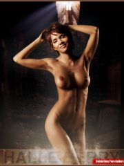 Halle Berry Celebrity Nude Pics image 1