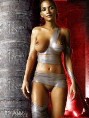 Halle Berry Free Nude Celebs image 23