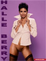 Halle Berry Naked Celebritys image 29