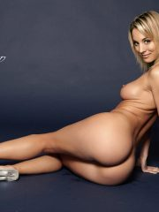 Kaley Cuoco Celebrities Naked image 6