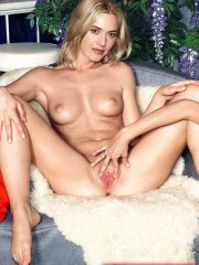 Kate Winslet Celebrity Nude Pics image 15