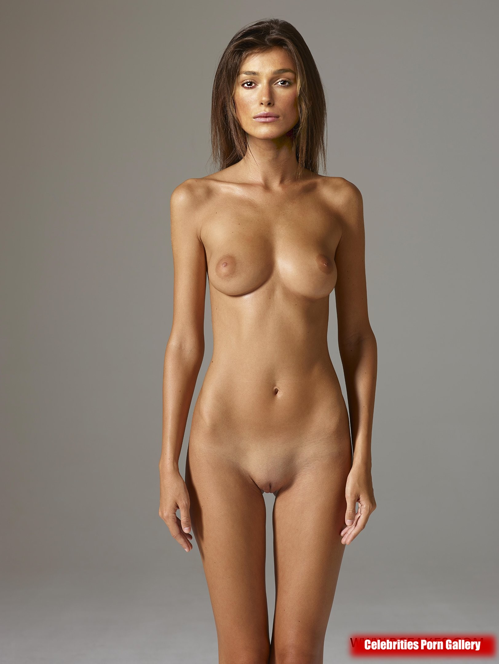 short hot naked babe
