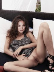 Kristin Kreuk Celebrities Naked image 19