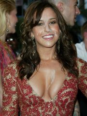 Lacey Chabert Free nude Celebrities