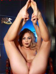 Laura Vandervoort naked celebrity pics