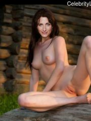 Lisa Edelstein Best Celebrity Nude image 5