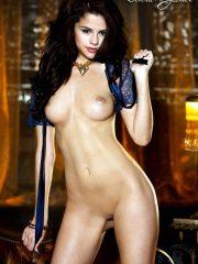 Selena Gomez Newest Celebrity Nudes image 19