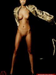 Aislinn Derbez Celebrity Nude Pics
