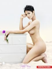Halle Berry Famous Nudes