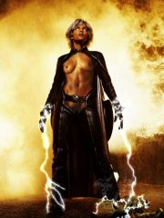 Halle Berry naked celebrity pics