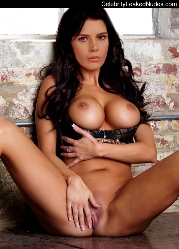 Hatice Sendil Nude