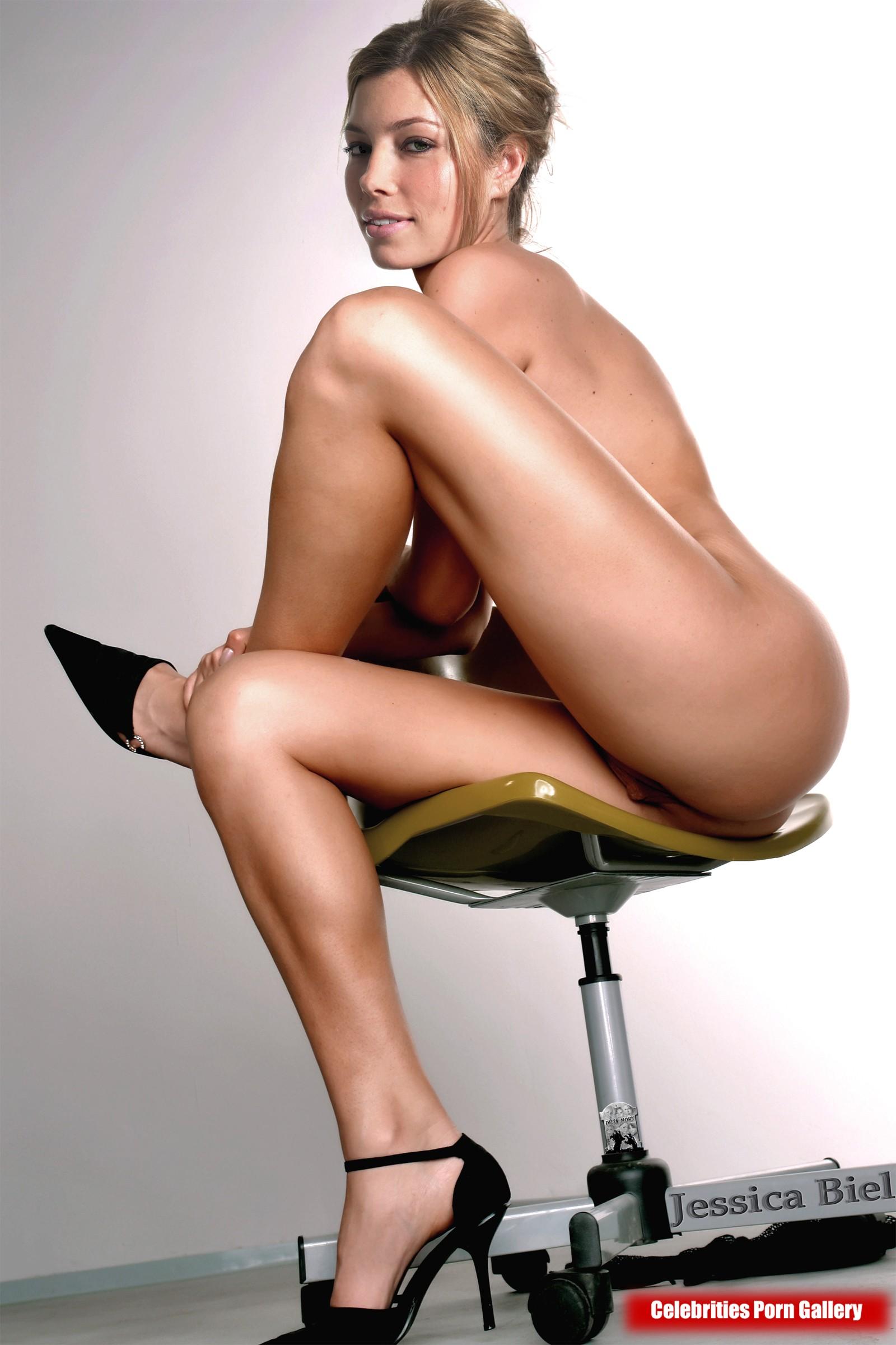 Jessica Biel Nude Powder Blue