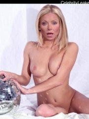 Kelly Ripa topless free nude celeb pics