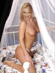 Kylie Minogue Hot Naked Celebs image 3
