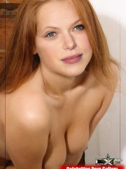 Laura Prepon Nude Celeb