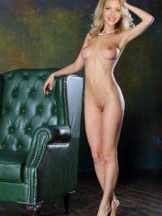 Lisa Kudrow Nude Celeb