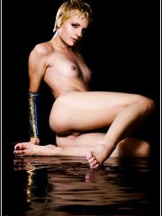 Mena Suvari Celebrities Naked