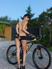 Milla Jovovich Free Nude Celebs