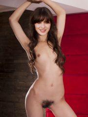 Zooey Deschanel Nude Celeb Pics